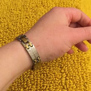 Jewelry - Sabona Silver/Gold Magnetic Clasp Bracelet